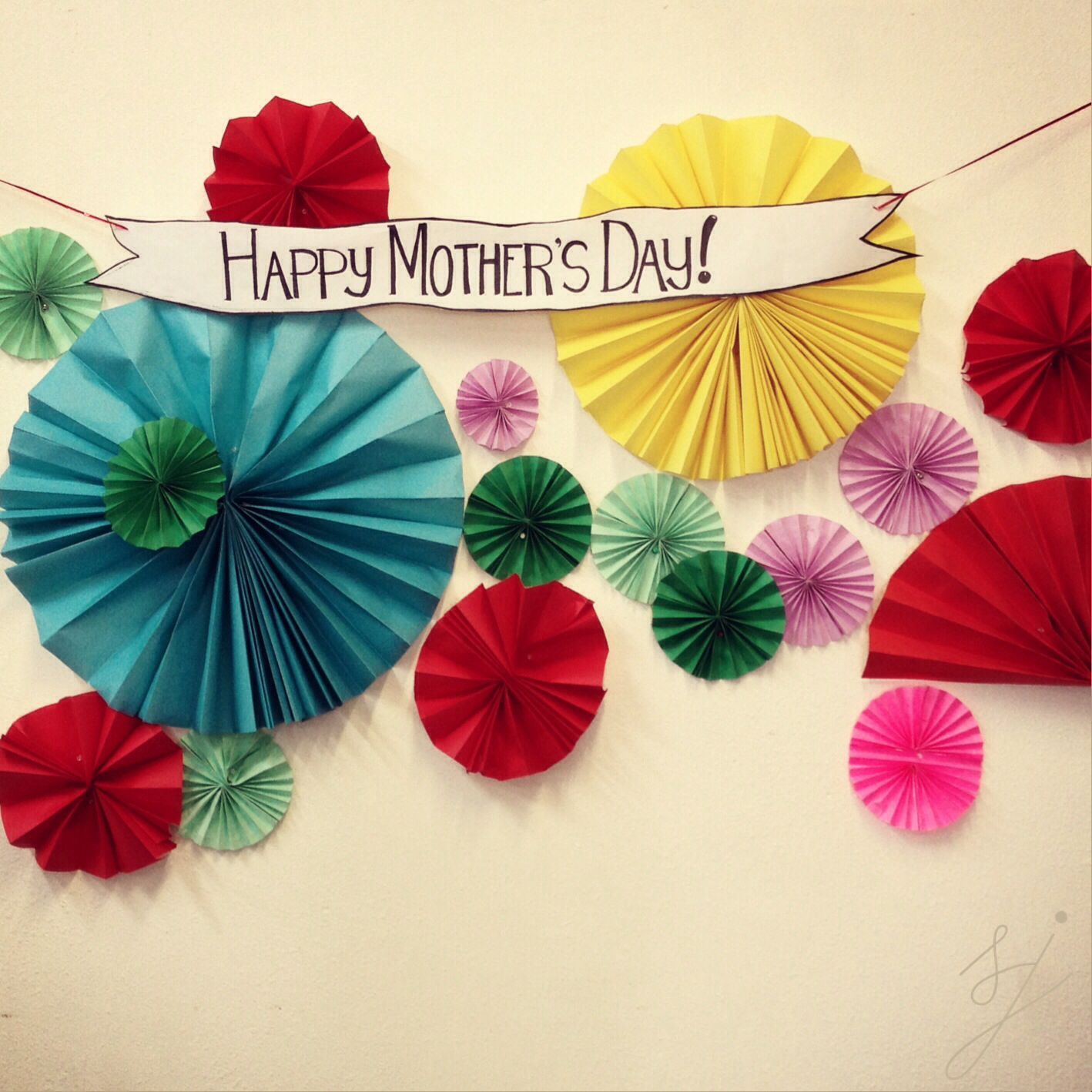 Mother's Day Photo Booth Decors. Ideas. Background ...