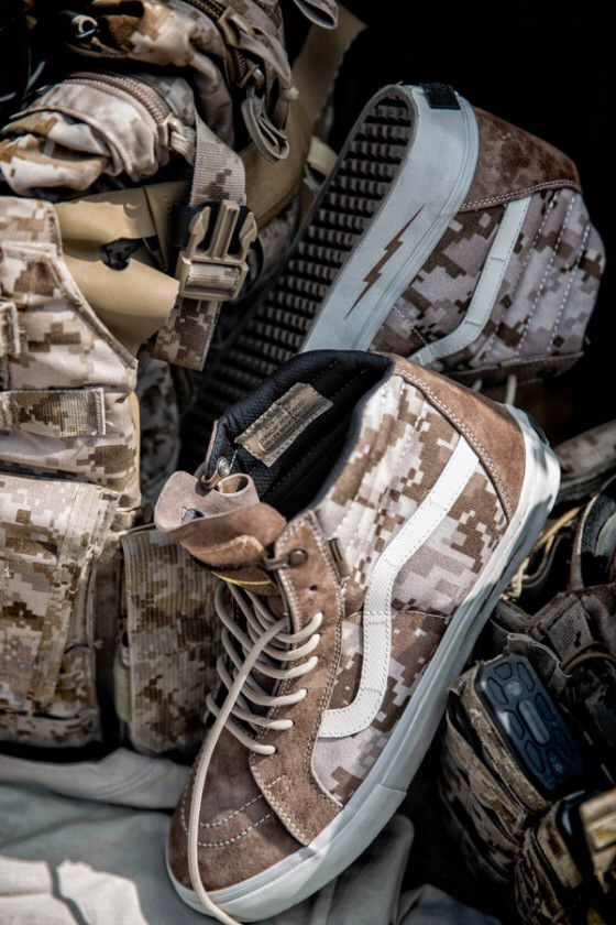 31f5cd51c6b2 CapsuleCollection   Defcon + Vans Syndicate   Digital  Camo Pack ...