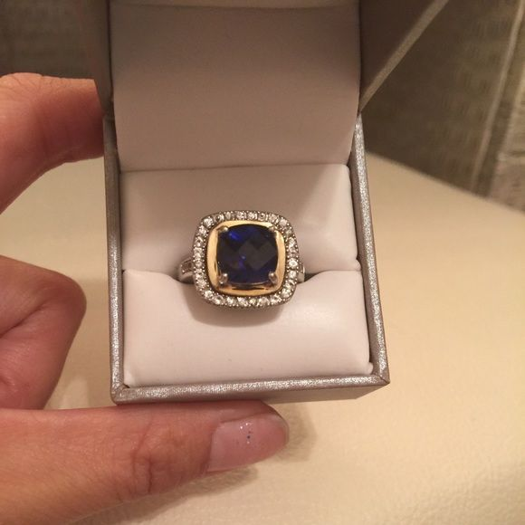 Sapphire 14k ring with price tag 14k ring with CR Sapphire= 4.75 CTW and CR White Sapphire= 0.56 CTW.  Still have tag! Jewelry Rings