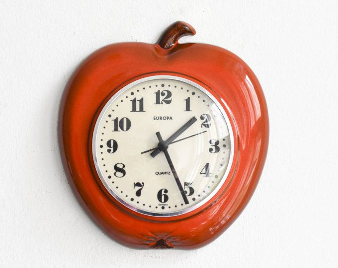 Rote Küchenuhr ~ Vintage peter wall clock peter clock white pottery clock