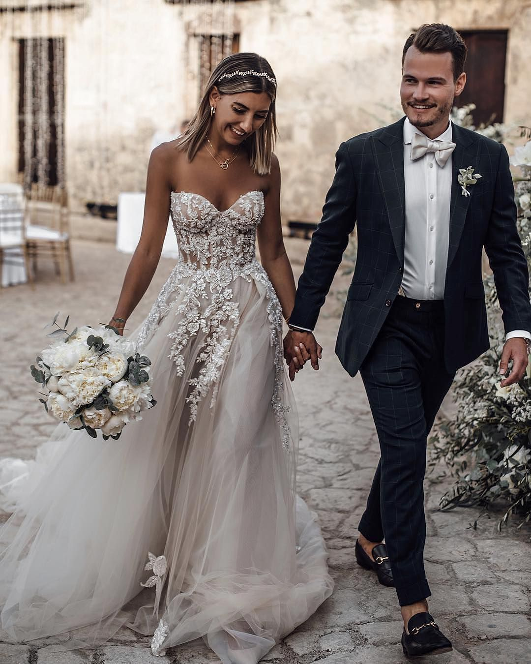 Jeanne Love Royal Sweetheart A Line Wedding Dresses 2019: A-line Sweetheart Long White Tulle Wedding Dress · Modsele