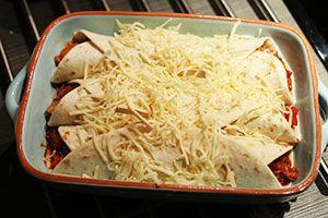 Kruidig vlees en groenten in een wrap gegratineerd met lekker veel kaas