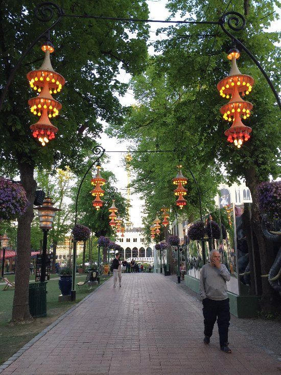 Tivoli Gardens (Copenhagen, Denmark): Top Tips Before You Go ...