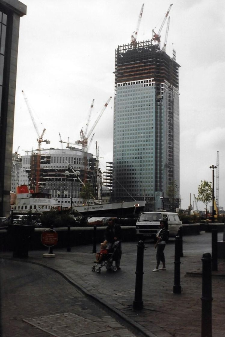 Photos Of Canary Wharf From The Late 80s To The Early 90s London