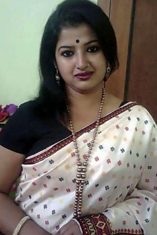 South Indian Bhabhi Selfie  Housewife In 2019  Indian