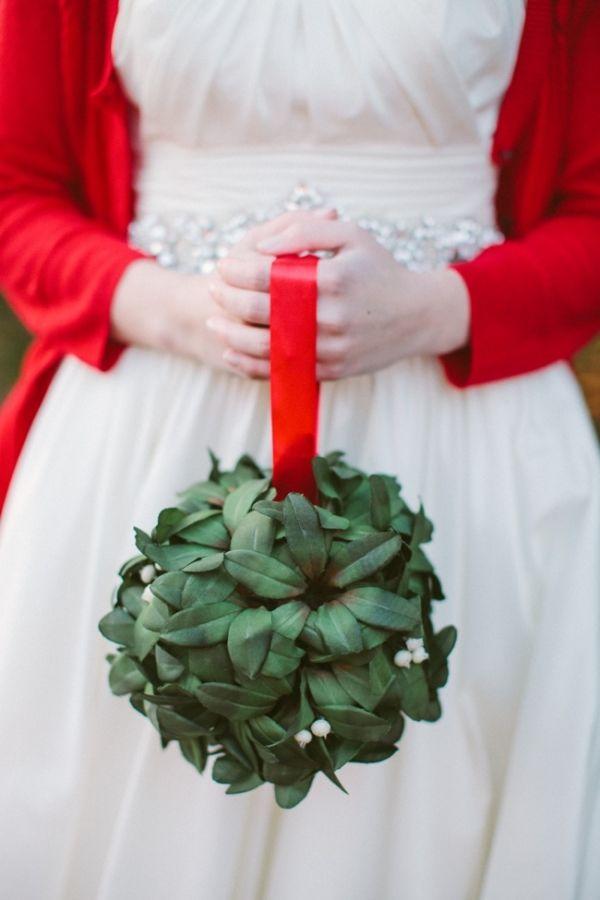 Resultado de imagen de christmas bridal bouquet