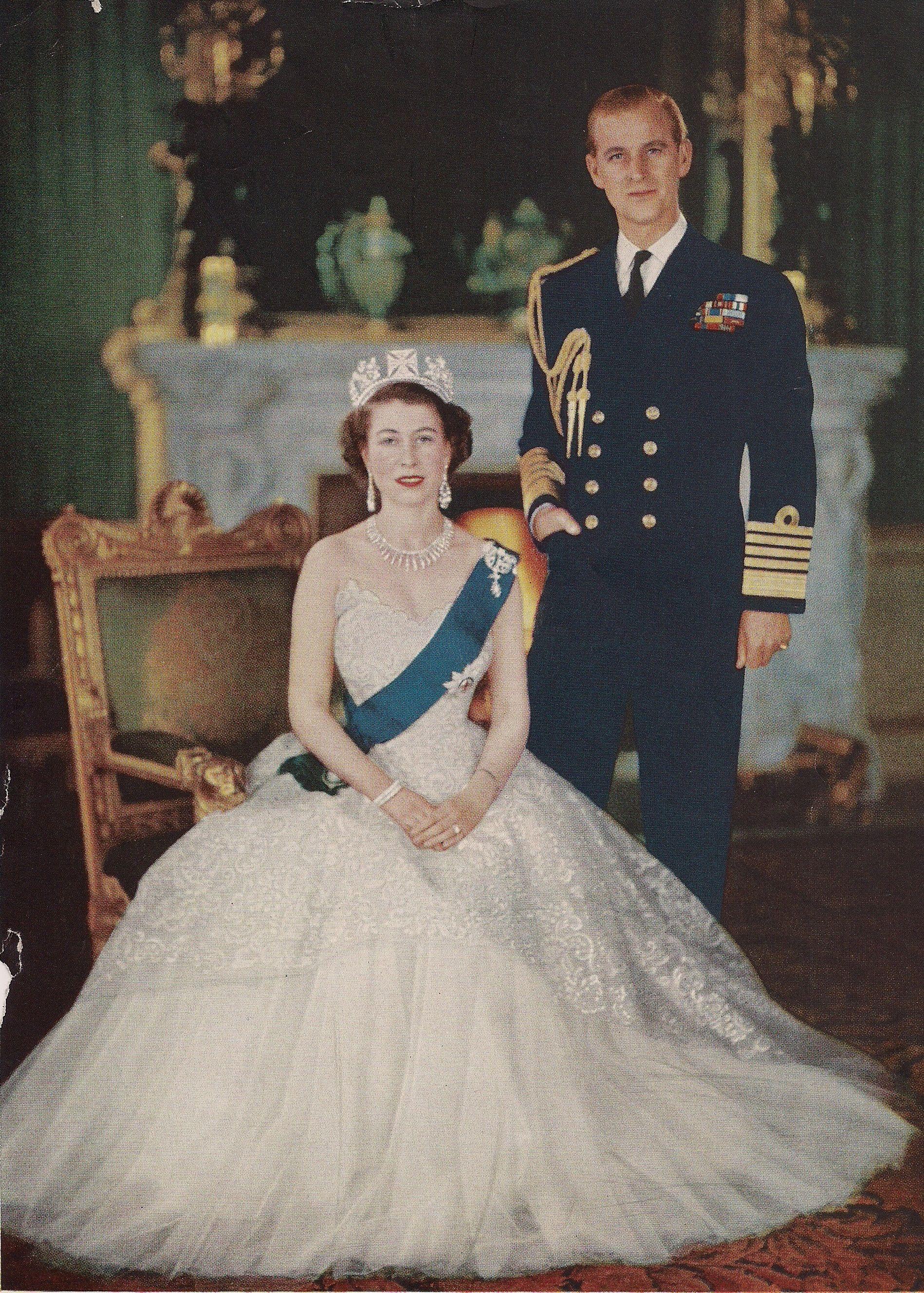 Queen Elizabeth Ii Coronation Portrait Young Queen Elizabeth Elizabeth Ii Queen Elizabeth