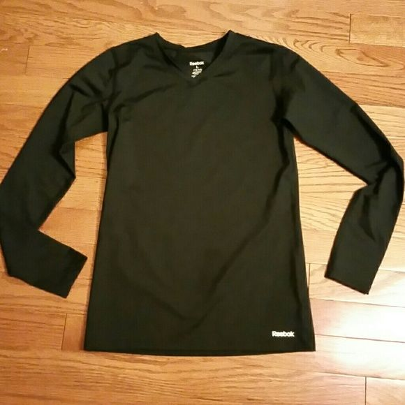 4053b3ea98ee Reebok Play Dry long sleeve shirt for youth Kids size   great for ...