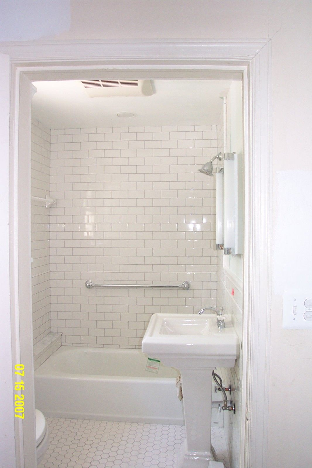 Image of subway tile bathroom ideas white 6041 interior for Bathroom ideas using subway tile