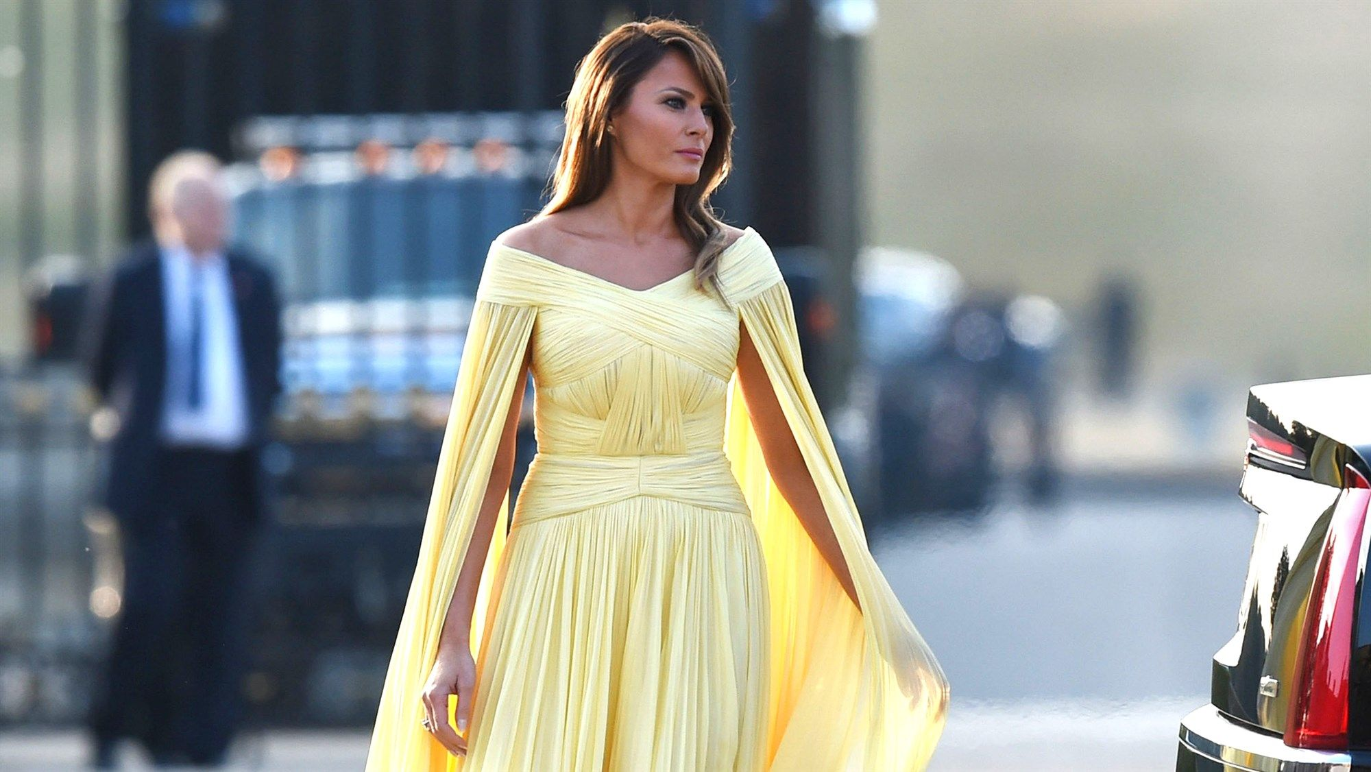 Melania Trump Stuns In Floaty Yellow Gown At State Dinner In England Yellow Wedding Dress Yellow Dress Summer Yellow Gown