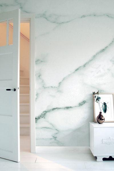 Met dit MarbleI behang van KEK Amsterdam maak je van je huis een echt paleis.