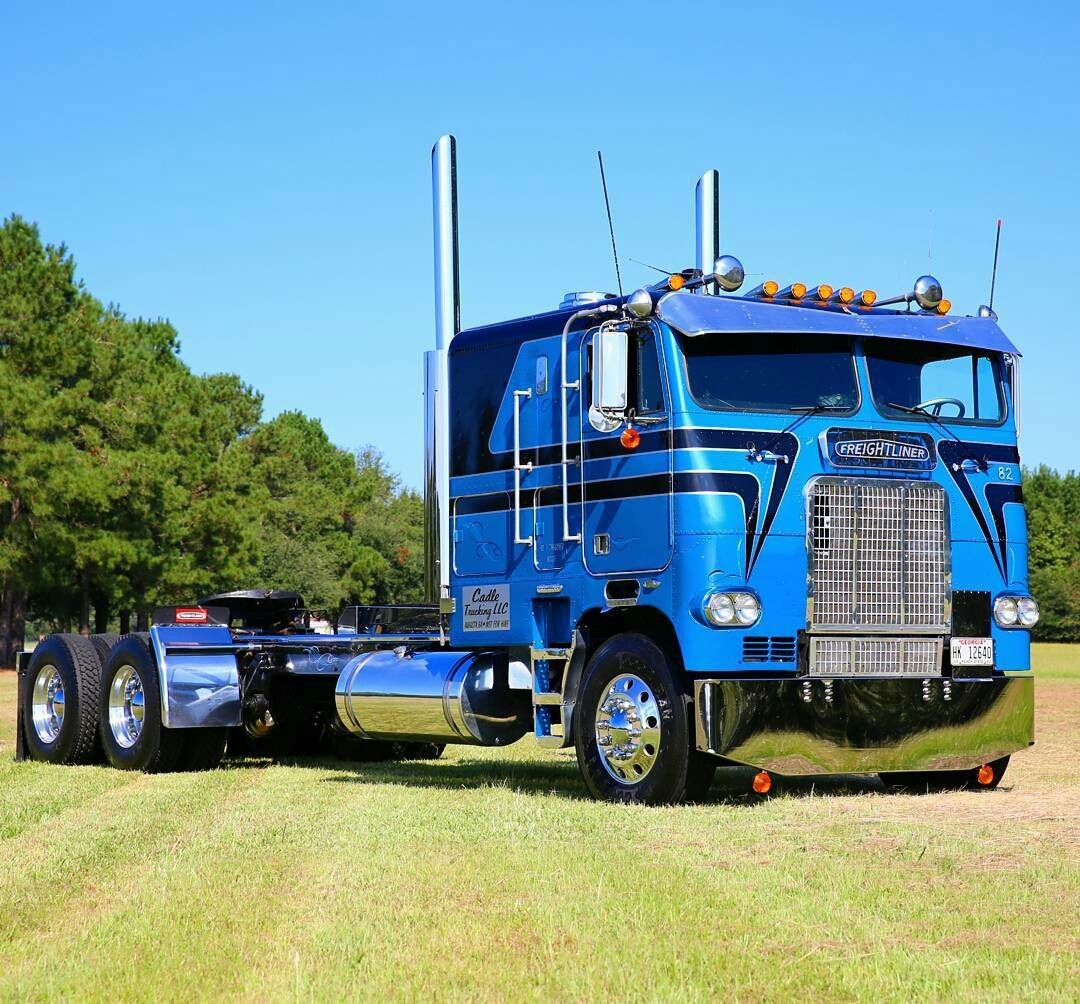 Coe Freightliner Custom We Lease Used Trailers In Any Condition Contact Ustrailer And Let Us Rent Your Traile Custom Trucks Freightliner Freightliner Trucks
