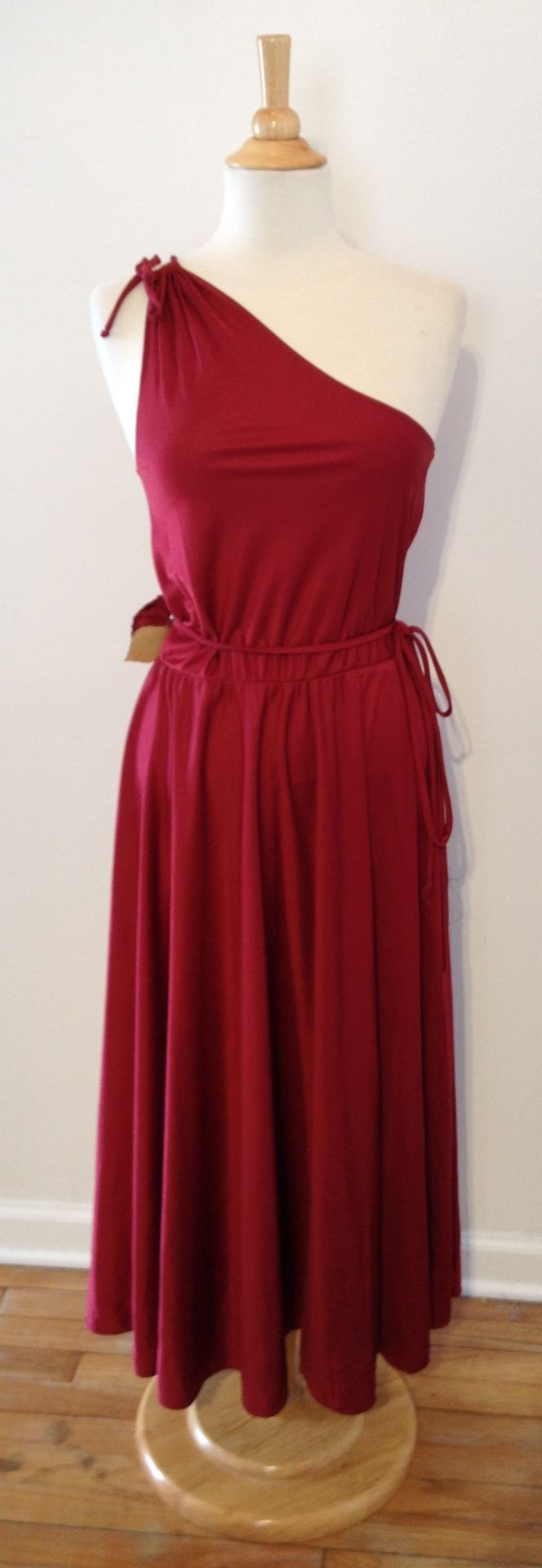 So many fun vintage designs! Click to #shop: http://stores.ebay.com/recycledcouture/ #ebaydeals #endingsoon #recycledcouture #fashion