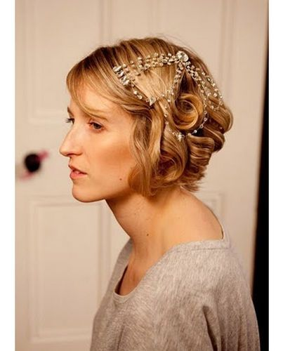 Flapper hairstyle | Halloween hair, Flapper hair, Hair styles