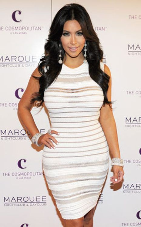 Kim Kardashian sexier than ever, she appears naked on
