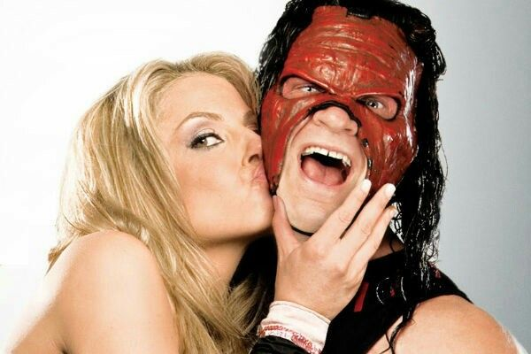 Kane And Trish Stratus Chocks Dig The Mask Trish Stratus Wwe