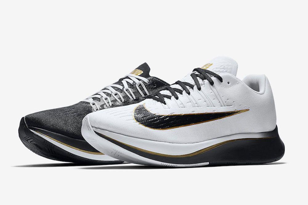 Nike Wypusci Buty Zoom Fly W Dwoch Roznych Kolorach W Jednej Parze Nike Zoom Nike Sneakers Nike