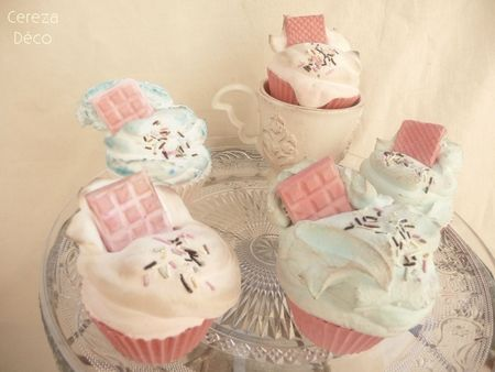 Sweet perfumed cupcakes by Cereza Deco
