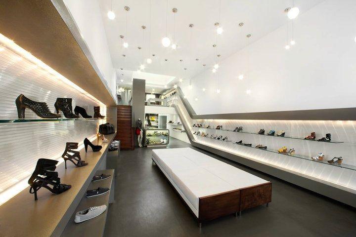 Sway Shoe Store By AB Design Studio, Long Beach Store Design
