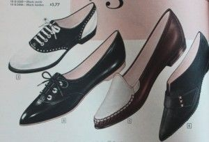 1960s Pointed Toe Flats Shoes, saddle shoes, loafer, oxford. The late 1950s winklepicker with sharp pointed toe combined with a flat ballet shoe and created the pointy toe flat of the early '60s. It looked innocent with mini skirts making them less sexual than when paired with high heels.