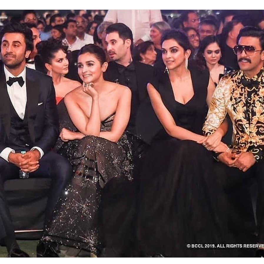 Spotlight Of Lastnight Awards Show Ranbirkapoor Ranveersingh Aliabhatt And Deepikapadukone Bollywood Celebrities Deepika Padukone Deepika Padukone Style