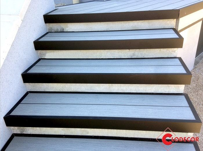 realiser un escalier en lames composites oc wood terrasses ocewood pinterest lame lame. Black Bedroom Furniture Sets. Home Design Ideas