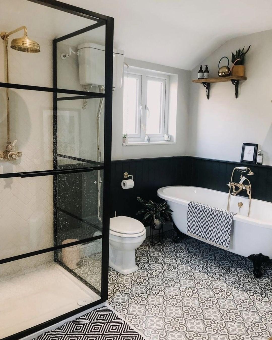 Ideen Furs Wohlfuhlbad On Instagram Na Seid Ihr Gestern Gut In Die Neue Woche Gestartet Wie Gefallt Euc In 2020 Gold Bad Kleine Badezimmer Inspiration Badezimmer