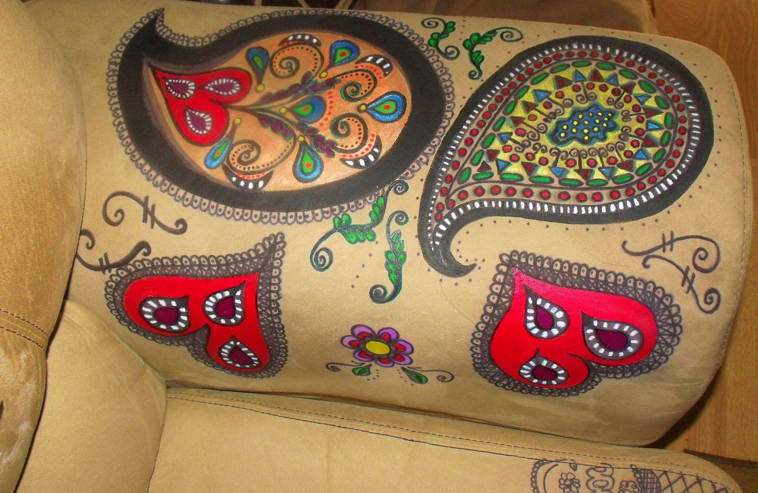 http://rosanamodugno.hubpages.com/hub/How-to-Tattoo-Your-Sofa