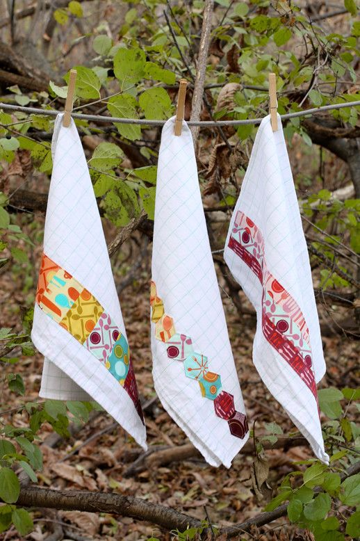 Fabric Embellished Dish Towels Tutorial #dishtowels