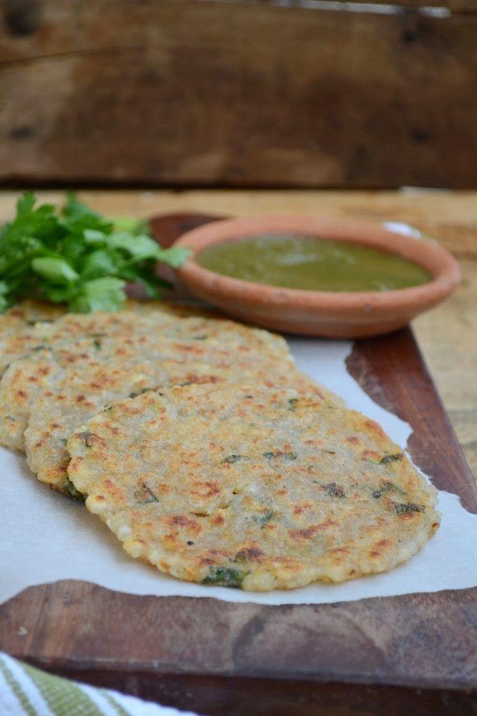 Sabudana Thalipeeth ist ein sehr häufiges Rezept im nördlichen Teil von Indien und Maharashtra fasten.  Es ist gesund, nahrhafte Lebensmittel.