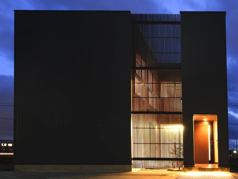 黑色的魅力 簡單且無機質的住家 家的氛圍是屋主個人整體呈現的總和