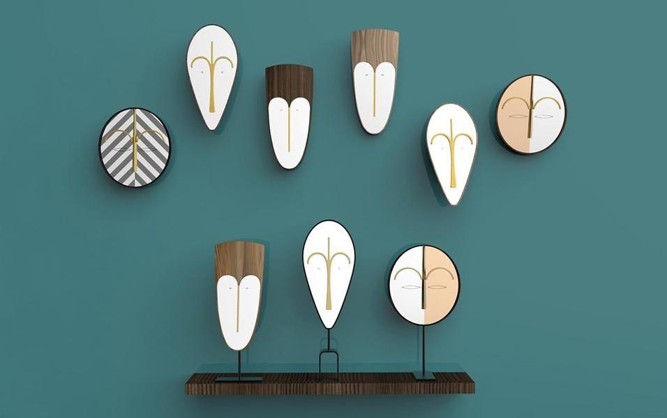 Tendenza Tribal. Le maschere tribali stilizzate diventano gli specchi della collezione Wise Men Mirrors di Lorenza Bozzoli per Colé Italian Design Label. Eze, Bikita e Hawa sono totem contemporanei, segni grafici che disegnano la parete.