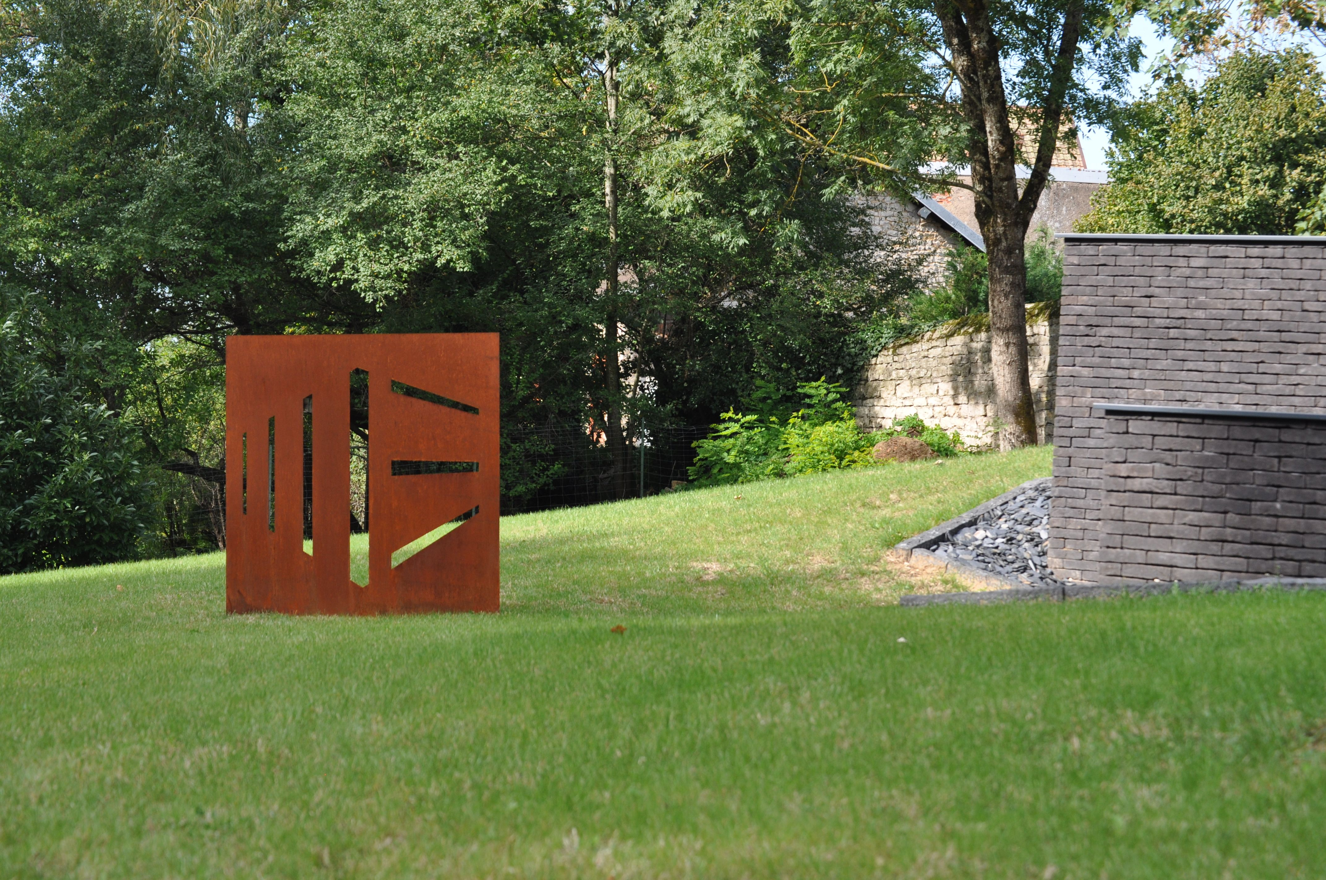 Vasari by ferrare steel sculpture for garden decoration - Deco jardin metal rouille ...