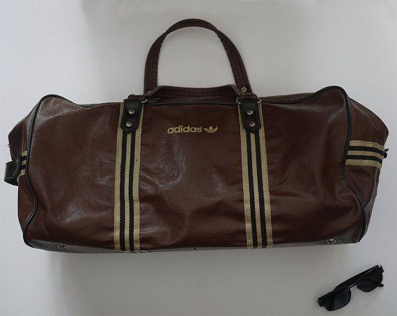 3f0bab5df9 Sac vintage Adidas en simili cuir souple 70' / Bag Adidas vintage ...