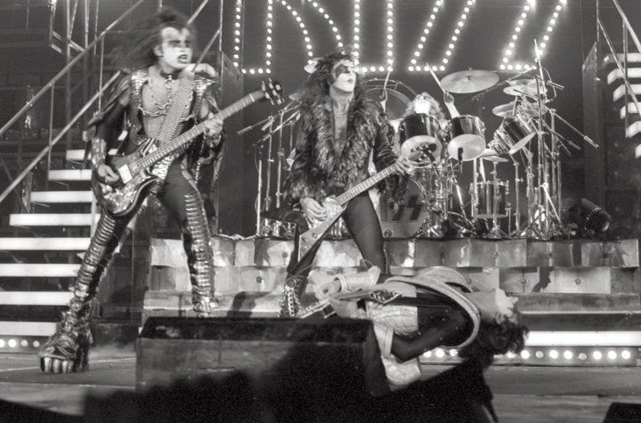 1977 07 31 Stampede Corral Calgary Ab Canada Kiss Pictures Ace Frehley Kiss Members