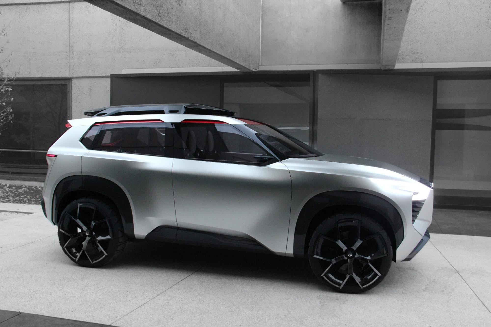 Nissan XMotion concept SUV makes bold and powerful slide