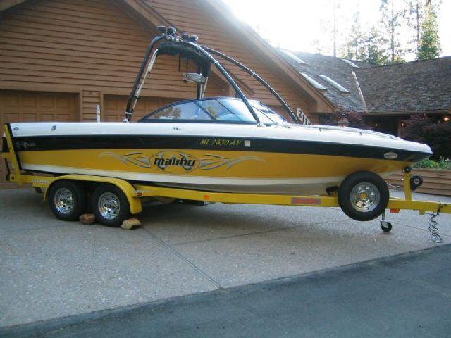 23 feet 2002 Malibu Wakesetter LSV Ski and Wakeboard Boat