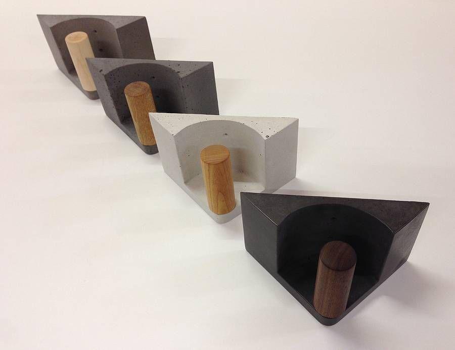 toilettenpapierhalter aus beton und holz by wertwerke concrete. Black Bedroom Furniture Sets. Home Design Ideas
