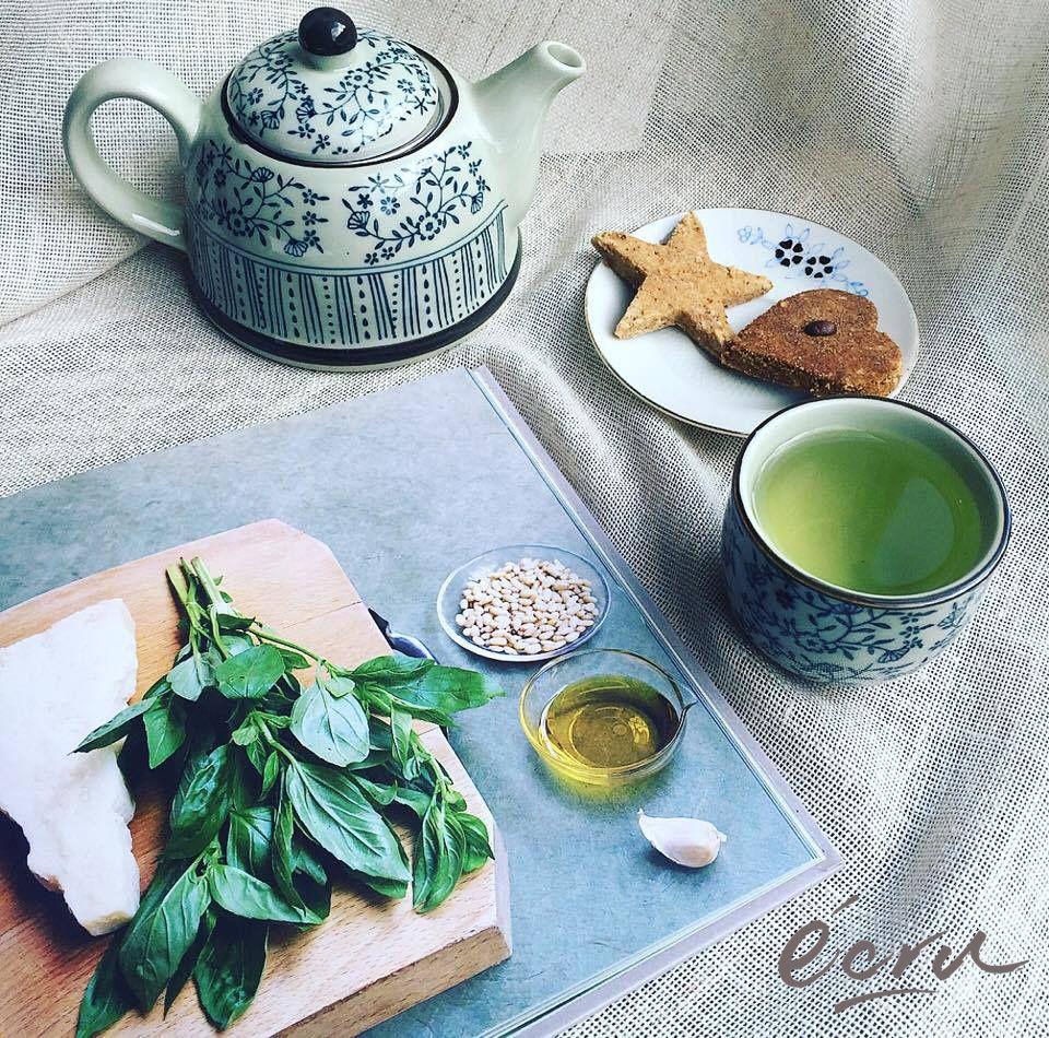Giornate fredde in arrivo! Riscaldiamoci con un buon #tè caldo! Da noi troverete una carta di tè che speciali abbinati al nostro menù.  Non vi dimenticate che la nostra giornata è come sempre NON-STOP!