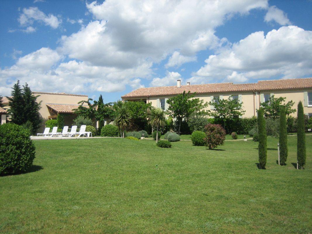 Espace extérieurs et jardins de l'hôtel BEST WESTERN Aurélia
