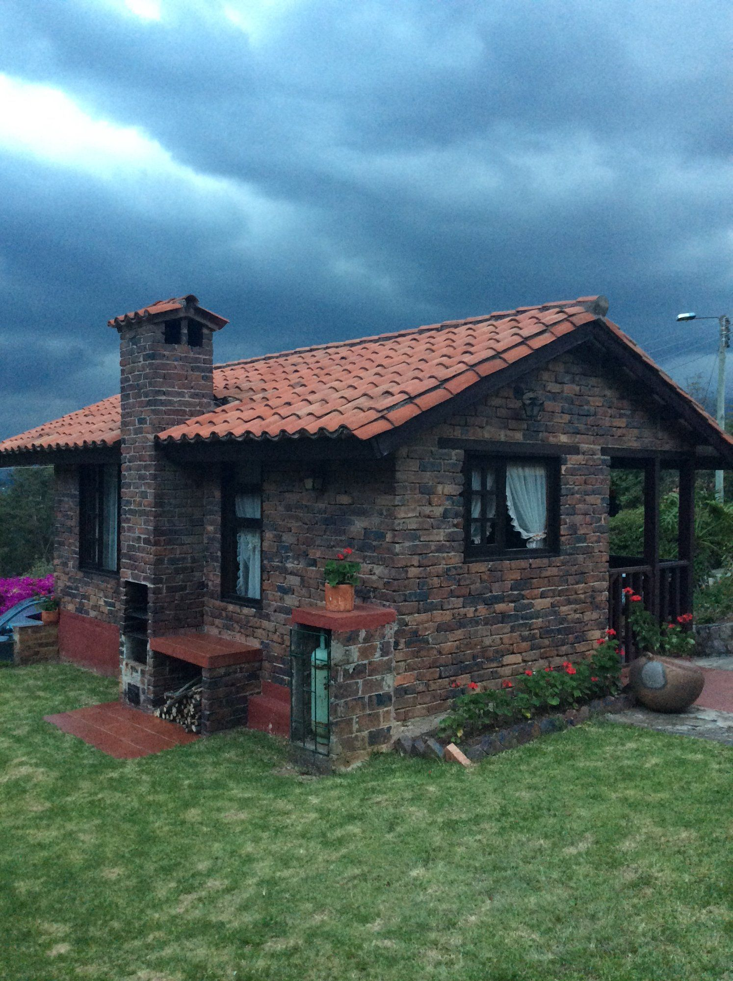Granja el milagro caba as campestres tibasosa colombia for Casas campestres rusticas