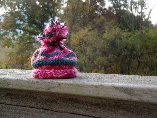 Julie Bagamary Art                 : Free Pattern - Neo Natal Preemie Hat