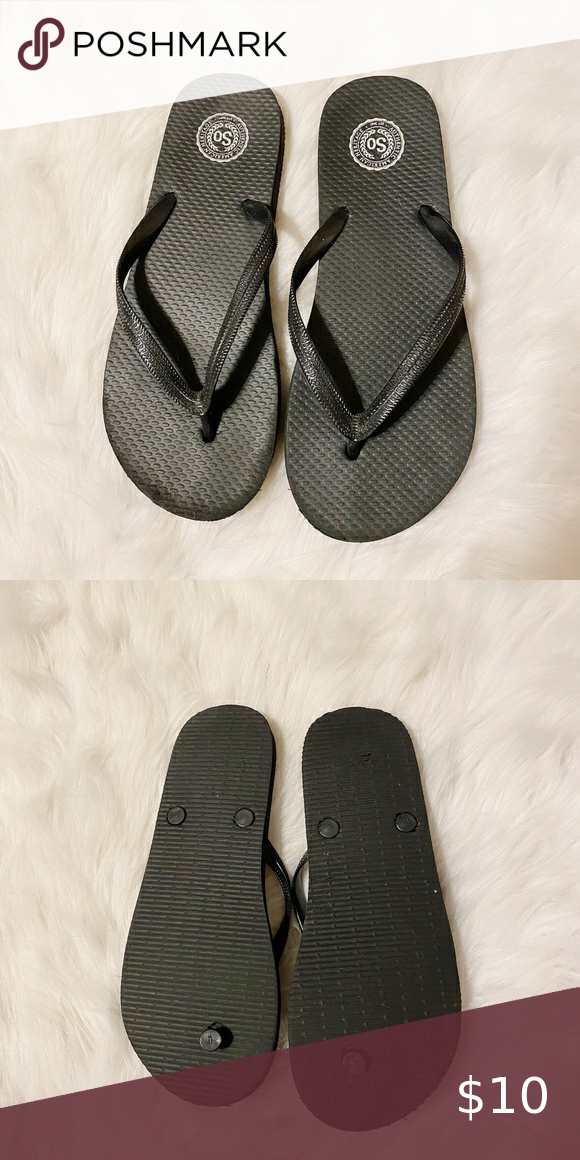 Kohls) Black flip flops size