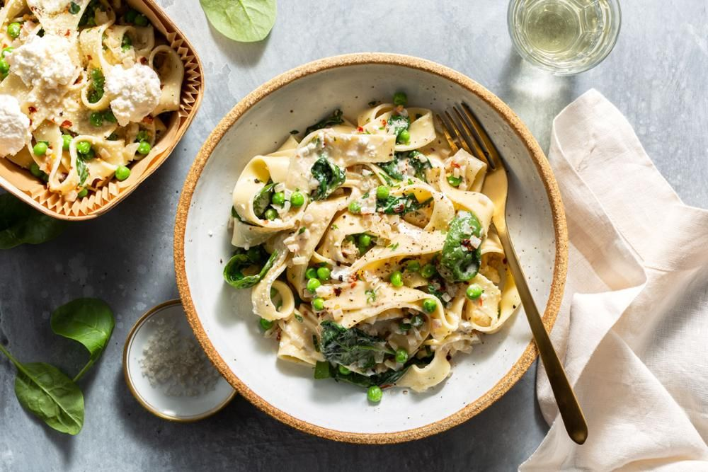 Pappardelle With Wilted Spinach Sweet Peas And Fresh Ricotta Recipe Delicious Healthy Recipes Healthy Food Delivery Vegetarian Meal Plan