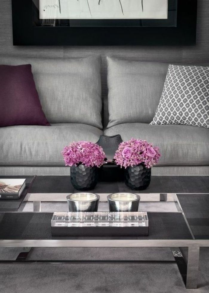 80 Idees D Interieur Pour Associer La Couleur Prune Salons Violet Deco Salon Et Canape De Couleur