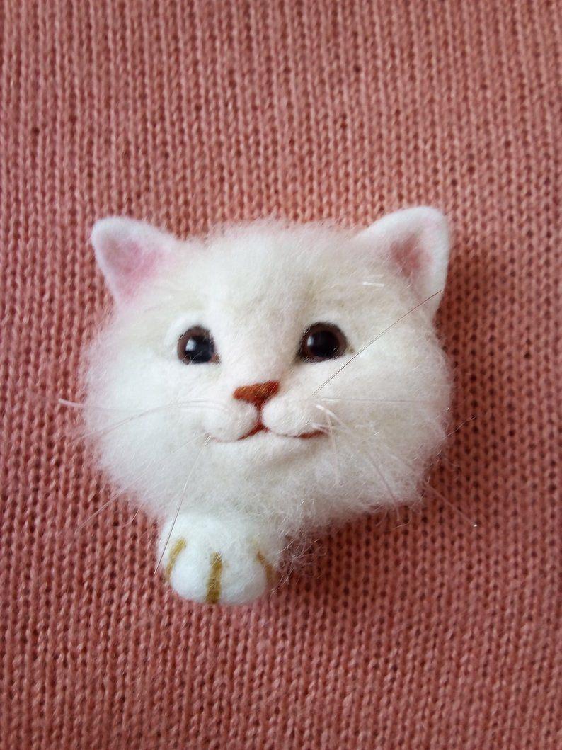Needle felting brooch Cat/ broche de gato/ hecho de lana