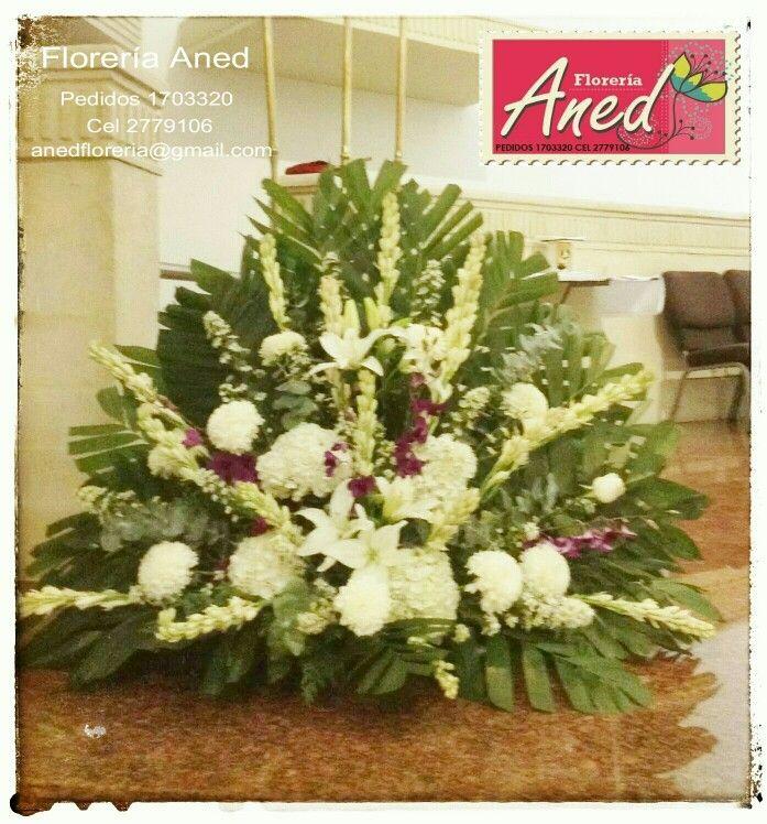 Arreglo Para El Altar Con Hortensias Nardos Lilis Y