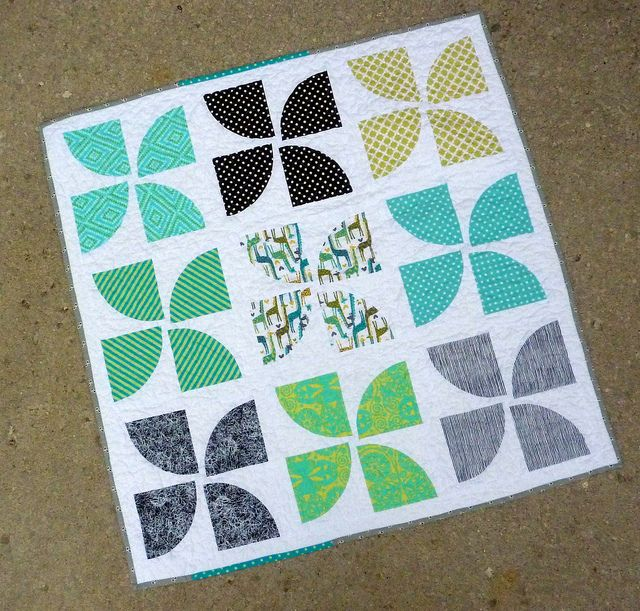 5 Circle Quilt Patterns to Try | Curvy, Tutorials and Babies : pinwheel quilt pattern free - Adamdwight.com