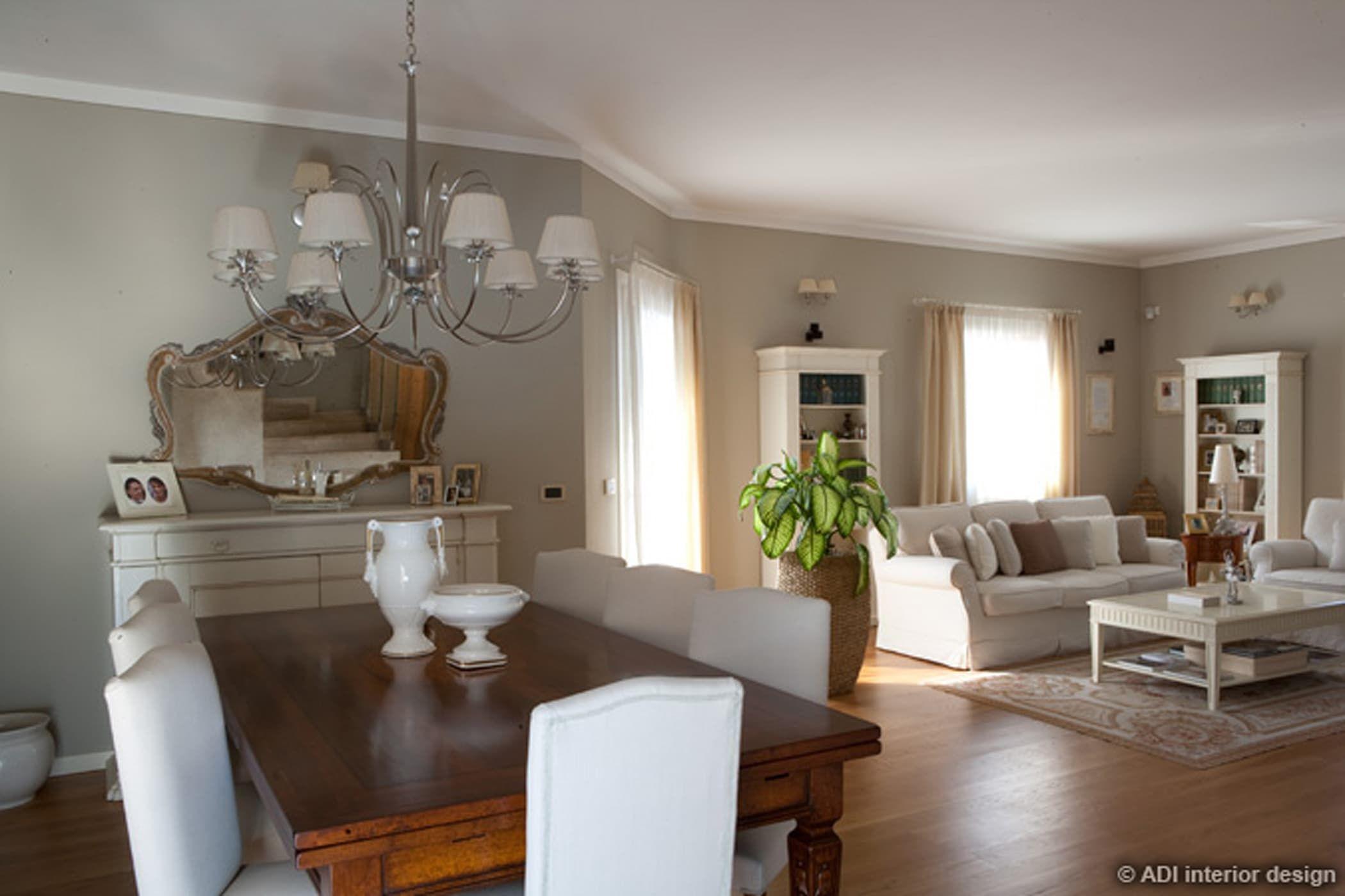 Casa raffinata sala da pranzo in stile di adi arredamenti for Gil arredamenti