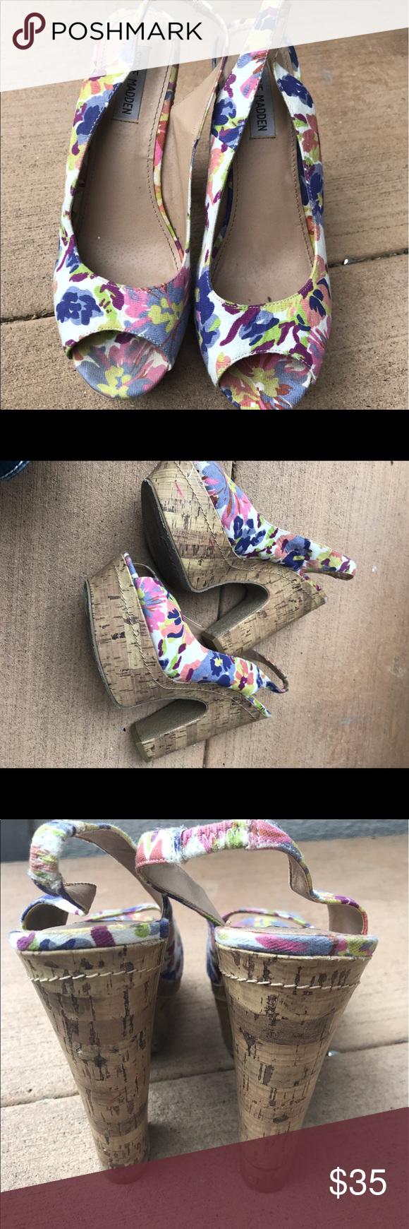 Steve Madden platform Sz 10 Perfect for summer beautiful floral design Steve Madden Shoes Platforms